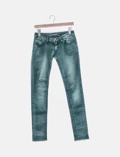 Jeans verdes efecto desgastado