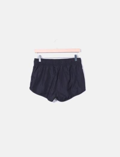 Short negro deportivo