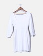 Vestido midi blanco detalle pedrería en las hombreras Zara