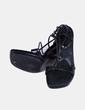 Sandalia negra de tiras Guess