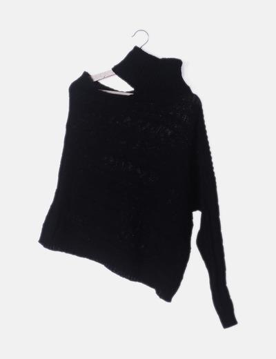 Jersey negro asimétrico cuello vuelto