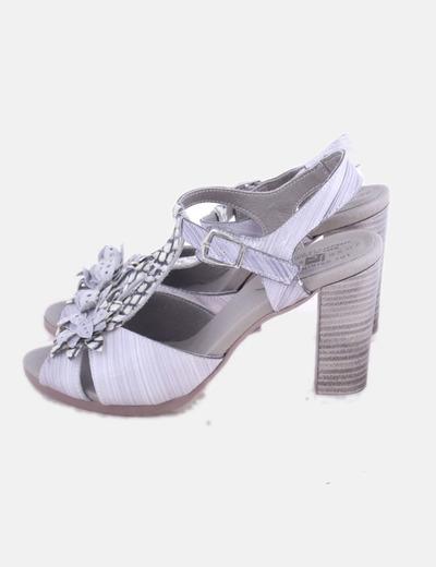 Sandalias charol gris con strass