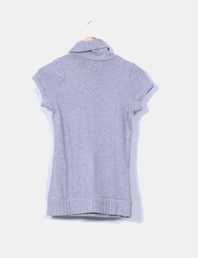 Top tricot gris cuello vuelto