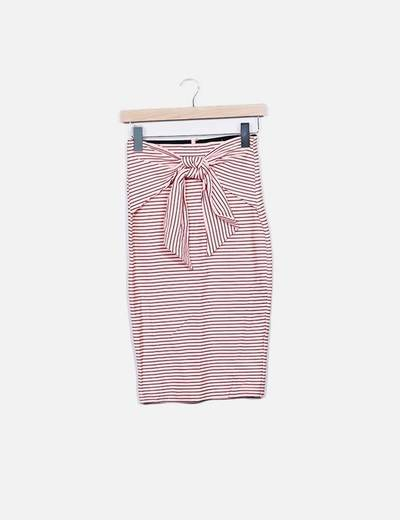Falda tubo rosa con lazo Zara