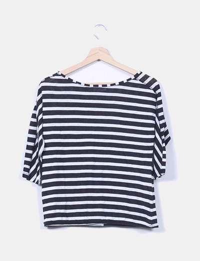 Camiseta rayas negras y grises