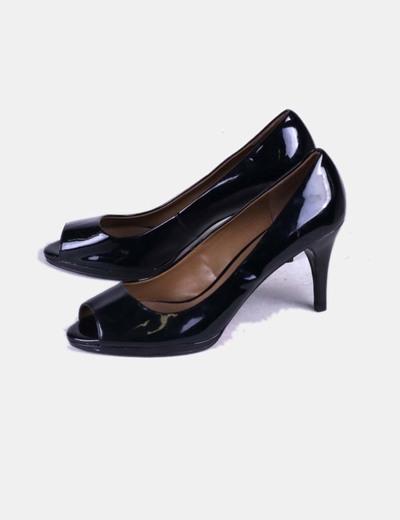 Zapato de tacón negro acharolado Zara