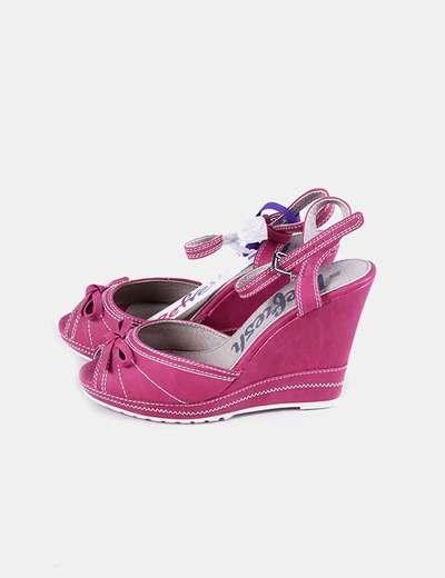 Sandalia de cuña rosa