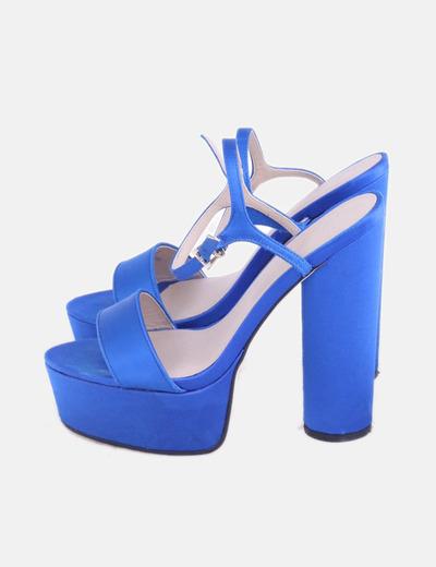 Sandalia azul de tacón