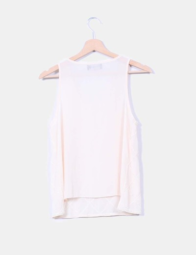 Blusa nude sin mangas con strass