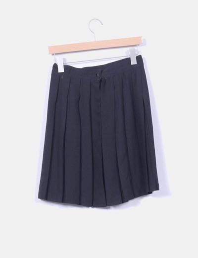 Falda negra con tablas