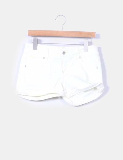 Short amarillo efecto desgastado Pepe Jeans