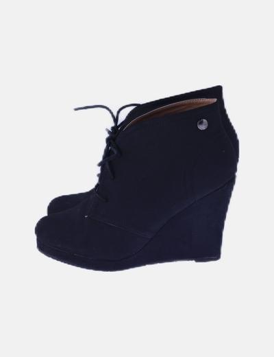 Cuña botín negra