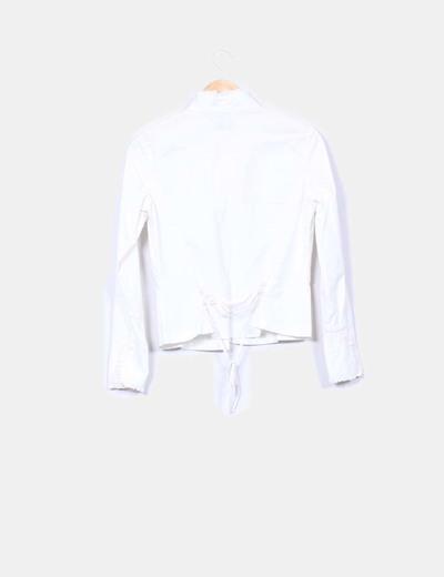 Camisa beige tablas y chorreras