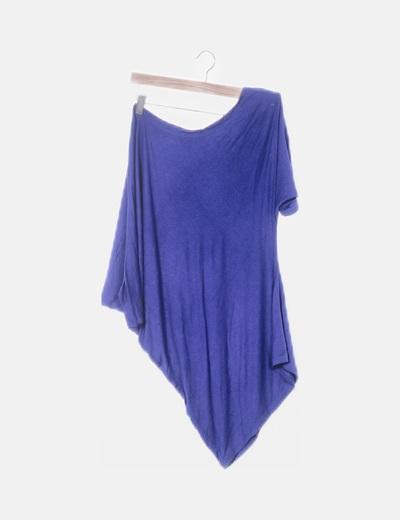 Camiseta azul asimétrica