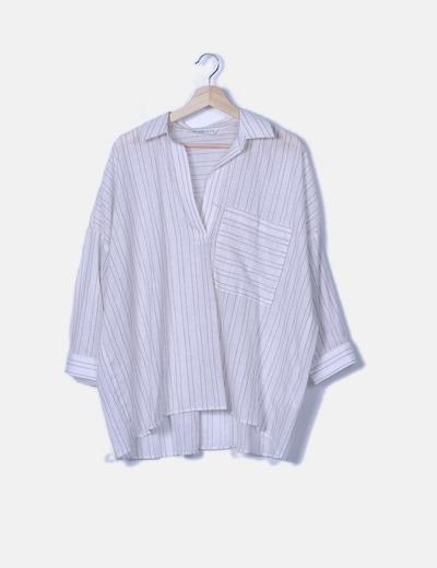 Blusa blanca de rayas oversize