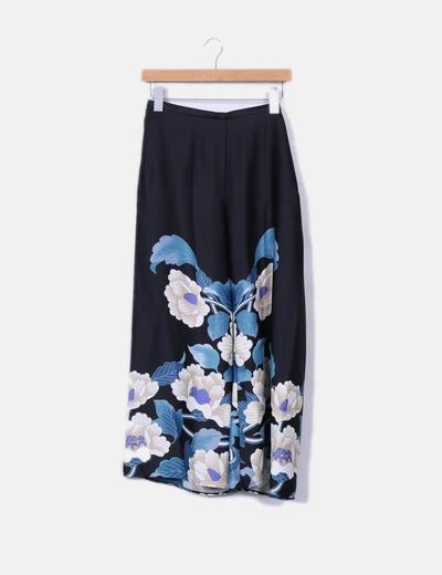 Kimono y pantalón satén negro floral Zara
