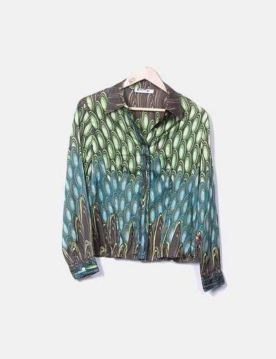Camisa verde con estampado