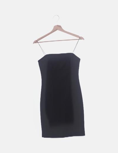 Vestido entallado negro de tirantes