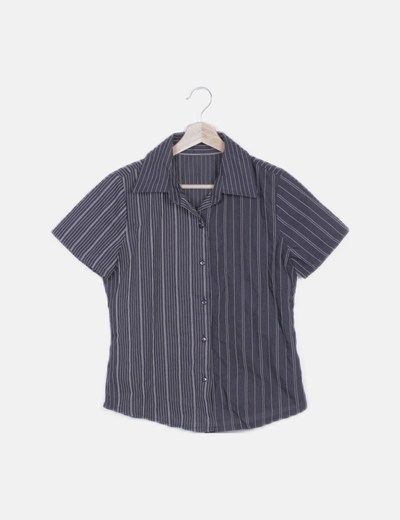 Camisa negra de rayas