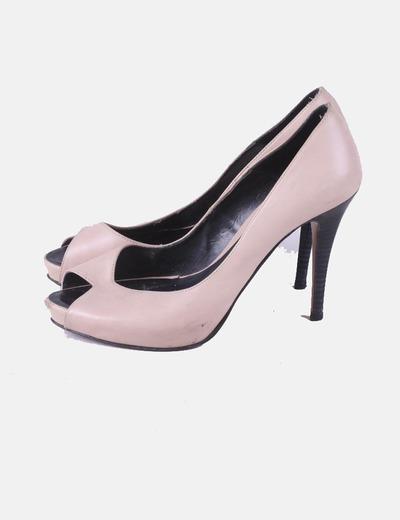 Zapato de tacón beige