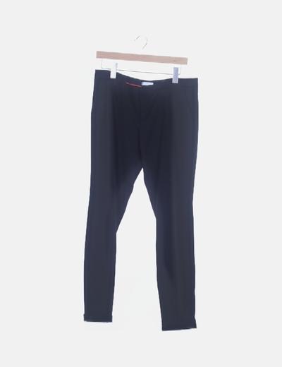 Pantalón chino negro bolsillo trasero