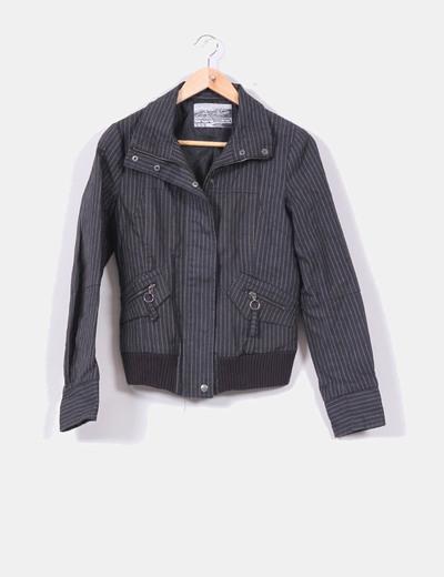 Chaqueta negra con rayas Zara