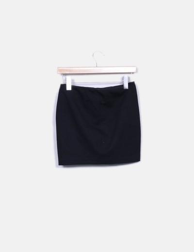 Mini falda negra combinada