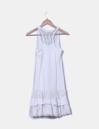 Vestido crudo combinado con puntilla