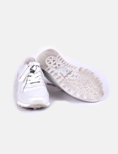 Zapatillas grises acharoladas
