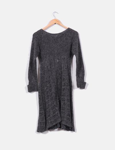 Vestido calado gris