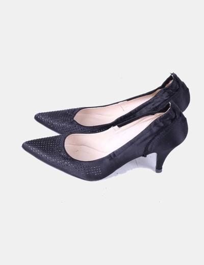 Zapato de tacón negro con pedrería brillante Pedro García