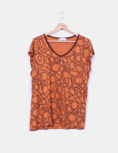 Top estampado naranja October