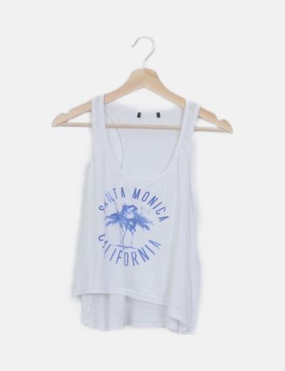 Camiseta blanca asimétrica con print