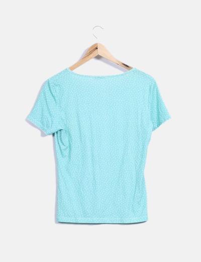 Camiseta verde con topos
