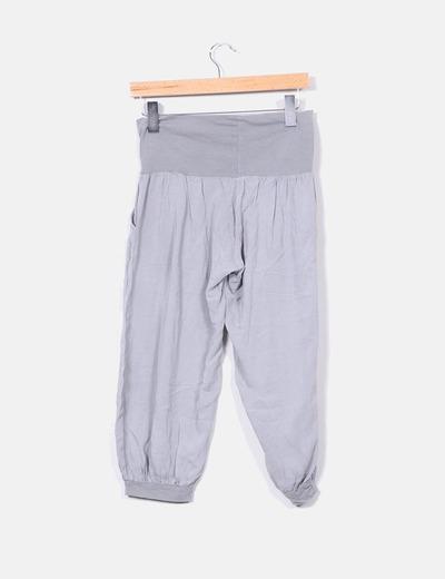 Pantalon gris pirata bombacho