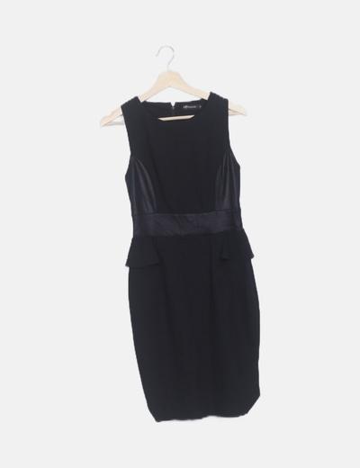 Vestido negro peplum