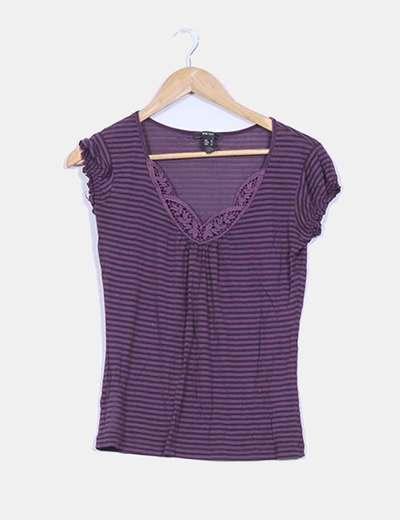 Camiseta básica semitransparente estampado rallas y detalle crochet Mango