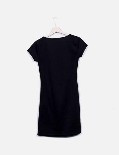 Vestido mini negro fruncido