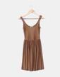Vestido marrón plisado  Pull&Bear