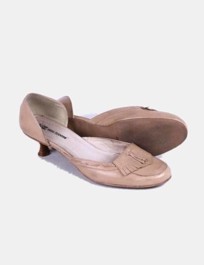 Zapato beige de tacon