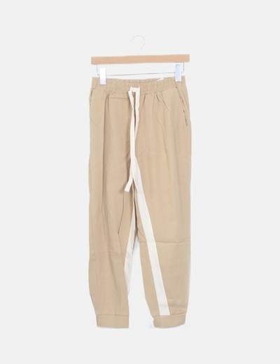 Pantalón beige banda lateral