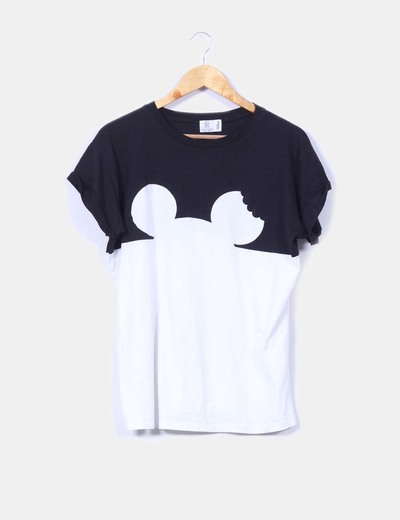 Camiseta blanca y negra de manga corta Zara