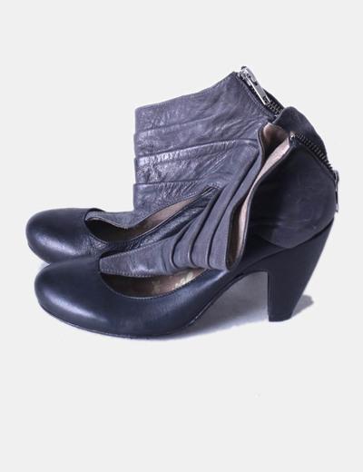 Zapatos abotinados negro y gris drapeado Igualados