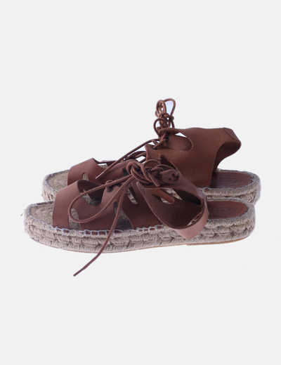 Sandalia esparto marrón lace up
