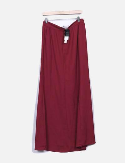 Maxi falda roja con bordado floral