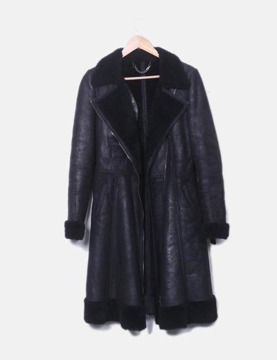 Rosto preto casaco longo duplo Carnelli