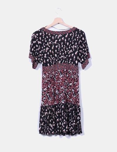 Vestido mini estampado escote en pico