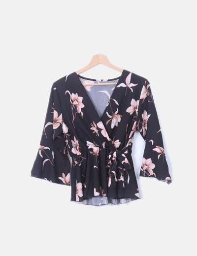 Blusa peplum negra floral