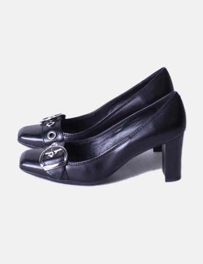 Zapato negro detalle hebilla Geox