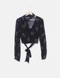 Blusa negra floral NoName